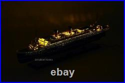 SS Ile De France French Ocean Liner Ship Model 38 with lights Museum Quality
